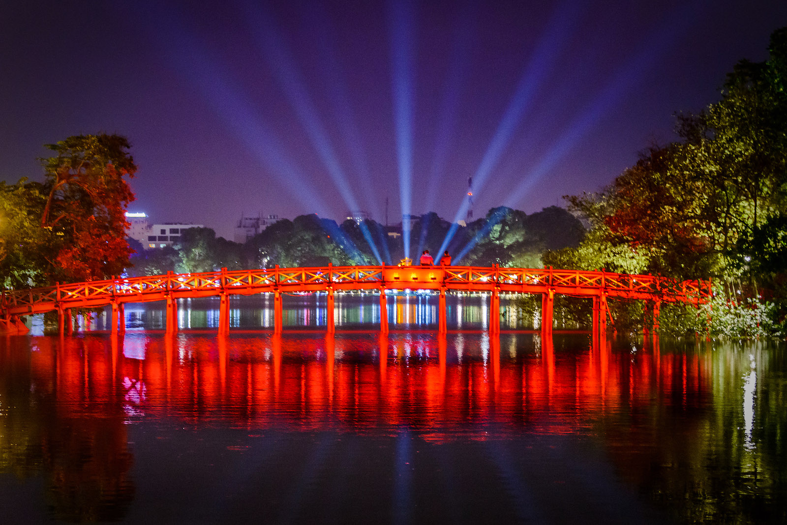 Hoàn Kiếm Lake at Night in China
