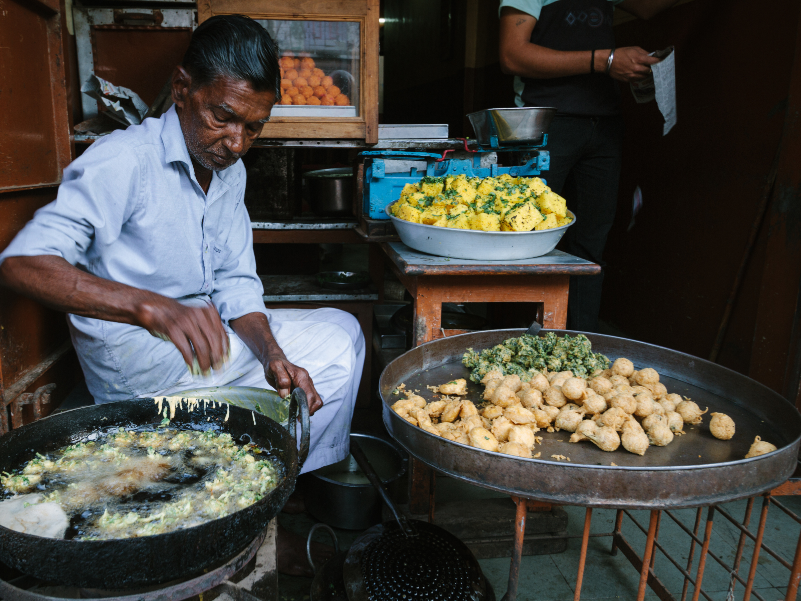 Frying Bonda, Borsad India