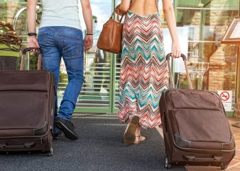17 Vacation Packing Tips for Carefree Travelling