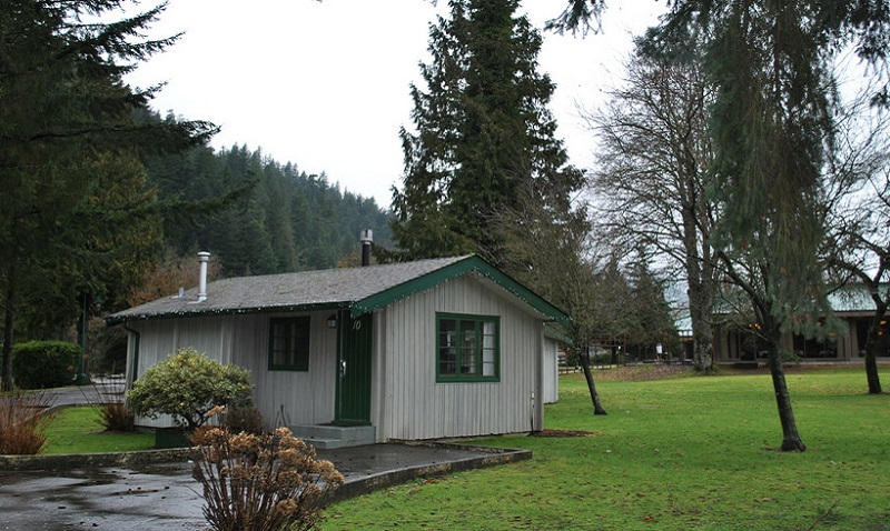 Harrison Hot Springs Cabins