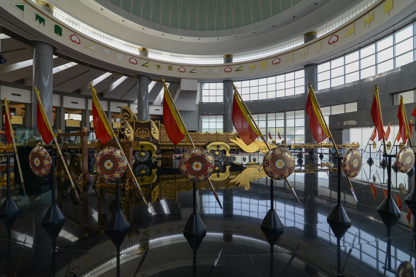 Gold and silver ceremonial armoury - Royal Regalia Museum, Brunei