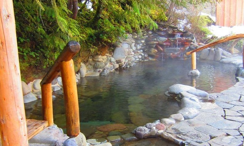 Breitenbush Hot Springs Oregon