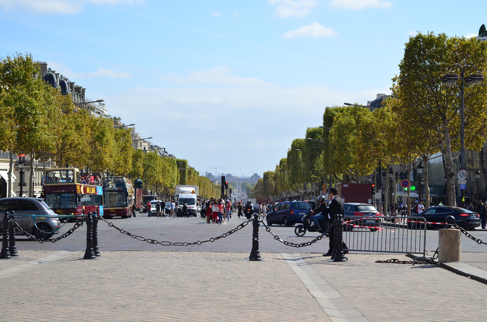 France Travel Guide Champs Elysees