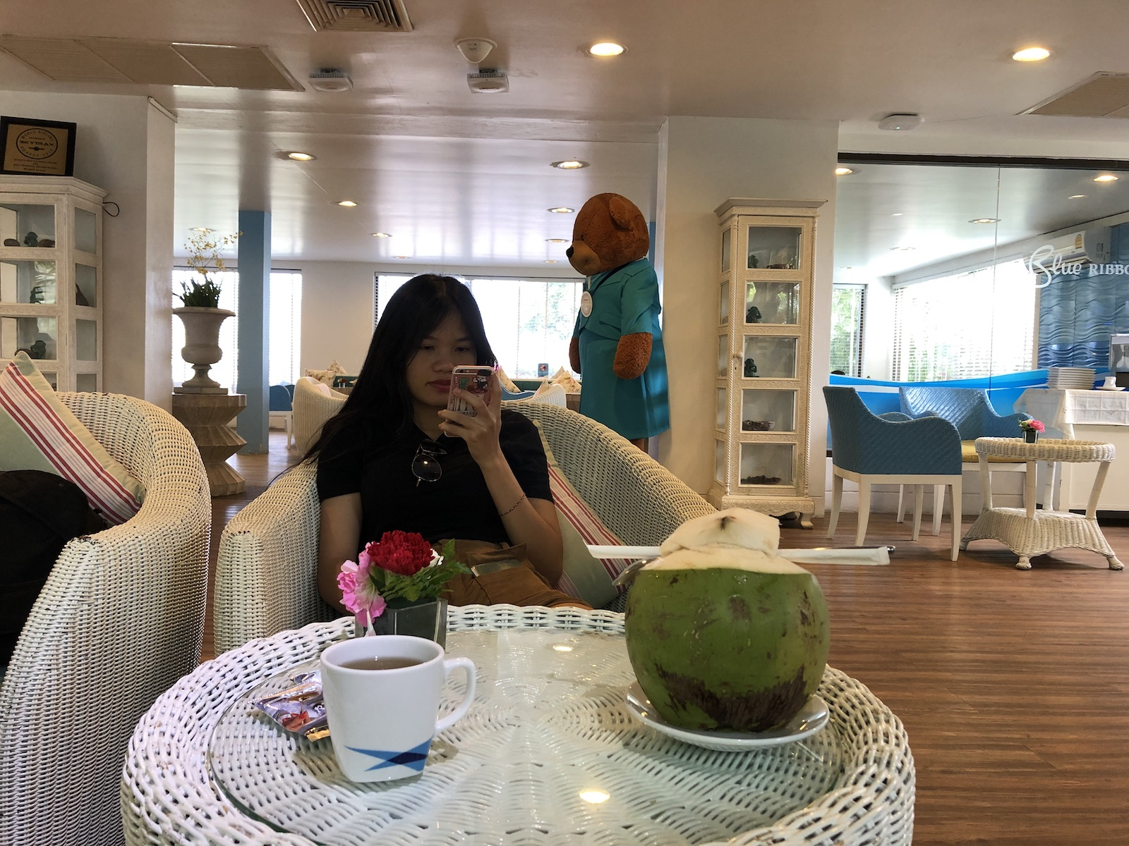 Enjoy a free coconut at Koh Samui Airport- Blue Ribbon Lounge, Thailand