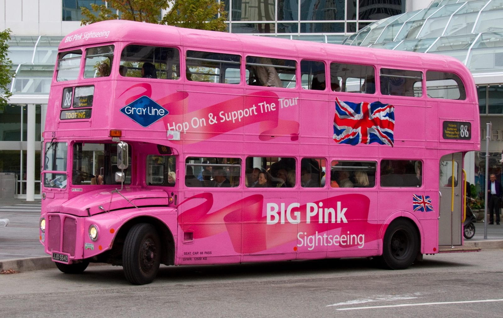 Pink Bus, Canada