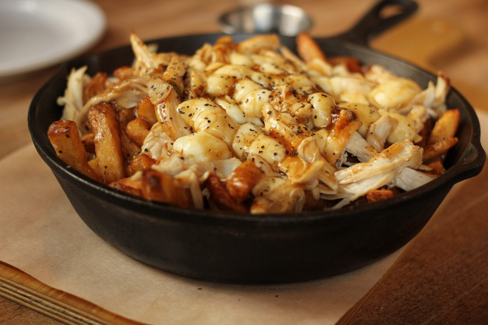 Poutine with pulled chicken