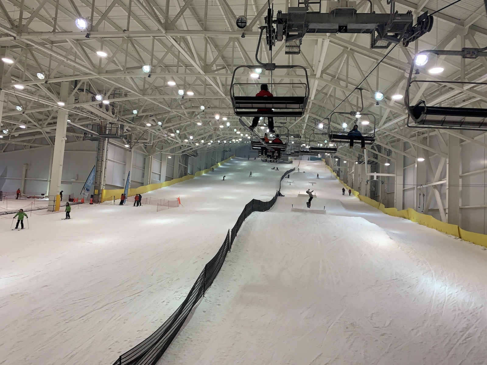 Image of the indoor ski area Big SNOW at the American Dream mall in New Jersey