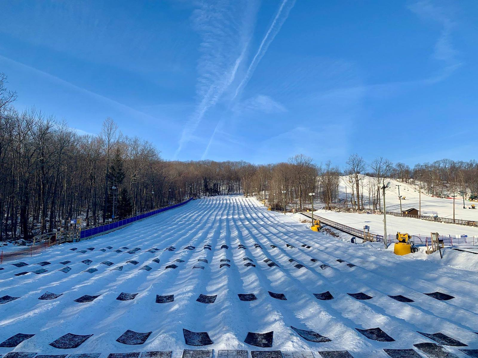 Image of snow tubing area at Campgaw Mountain in New Jersey