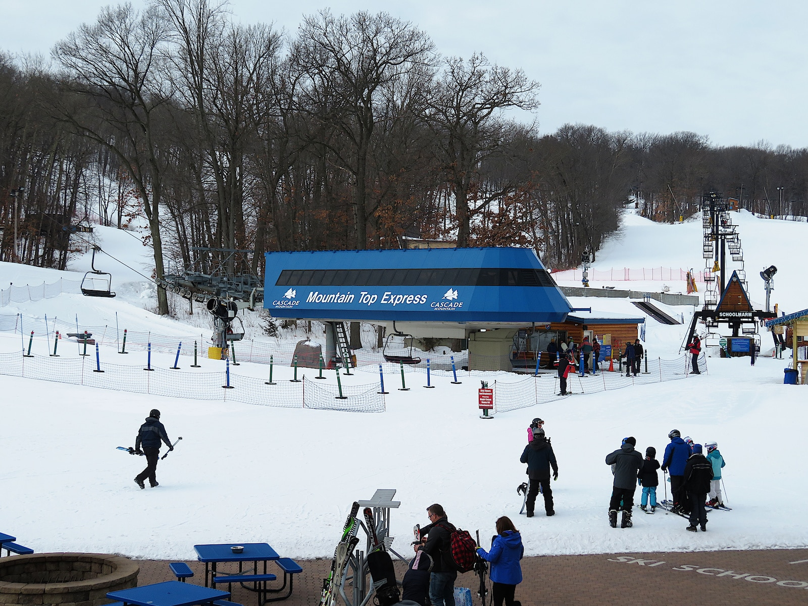 Image of the Mountain Top Express lift at Cascade Mountain in Wisconsin