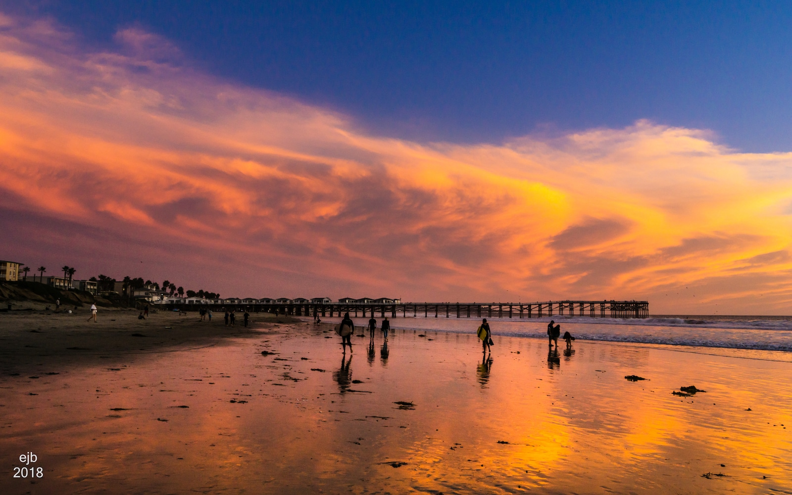 Image of Pacific Beach in San Diego at sunset