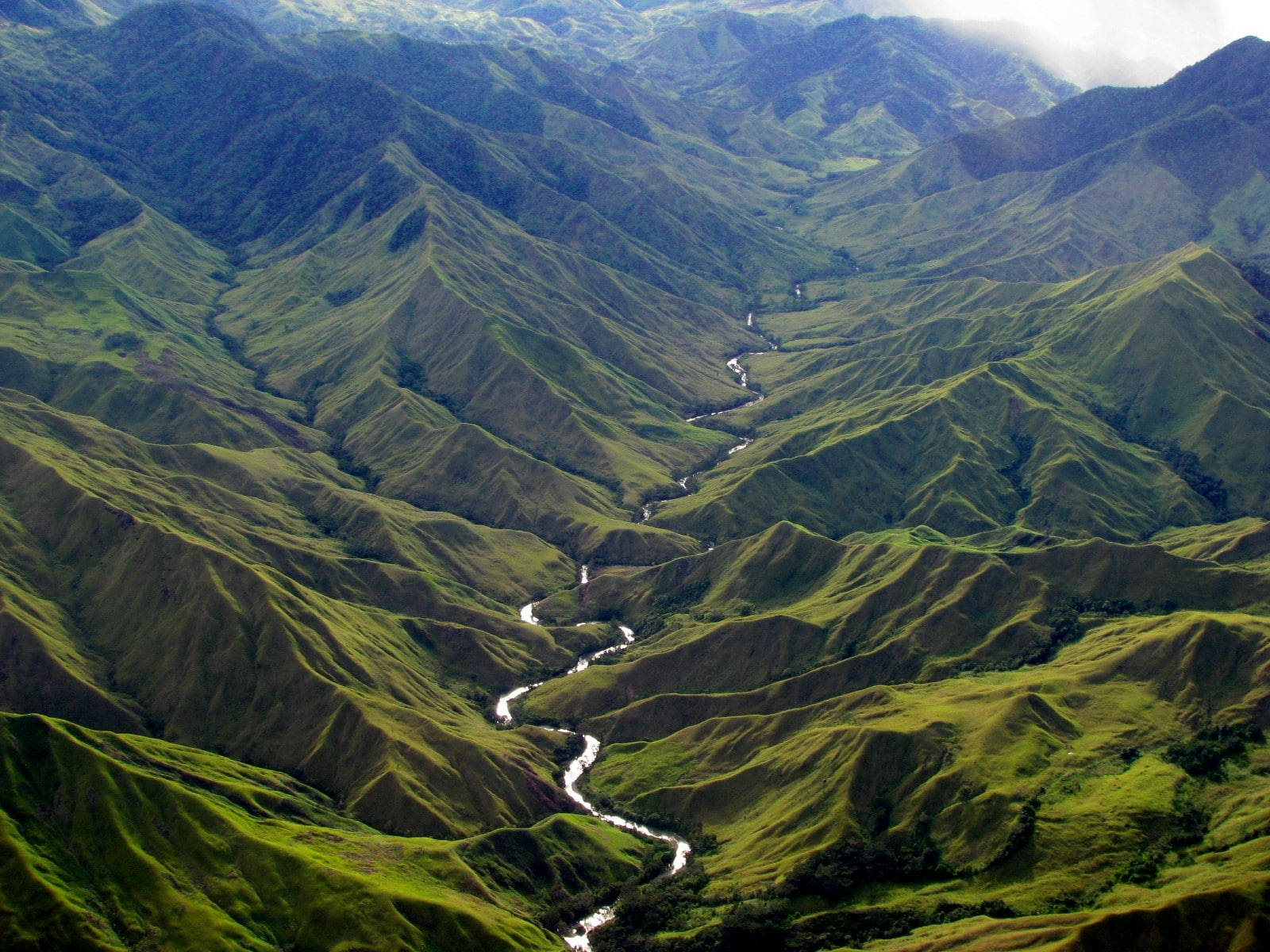 Papua New Guinea River Moutnains Wilderness