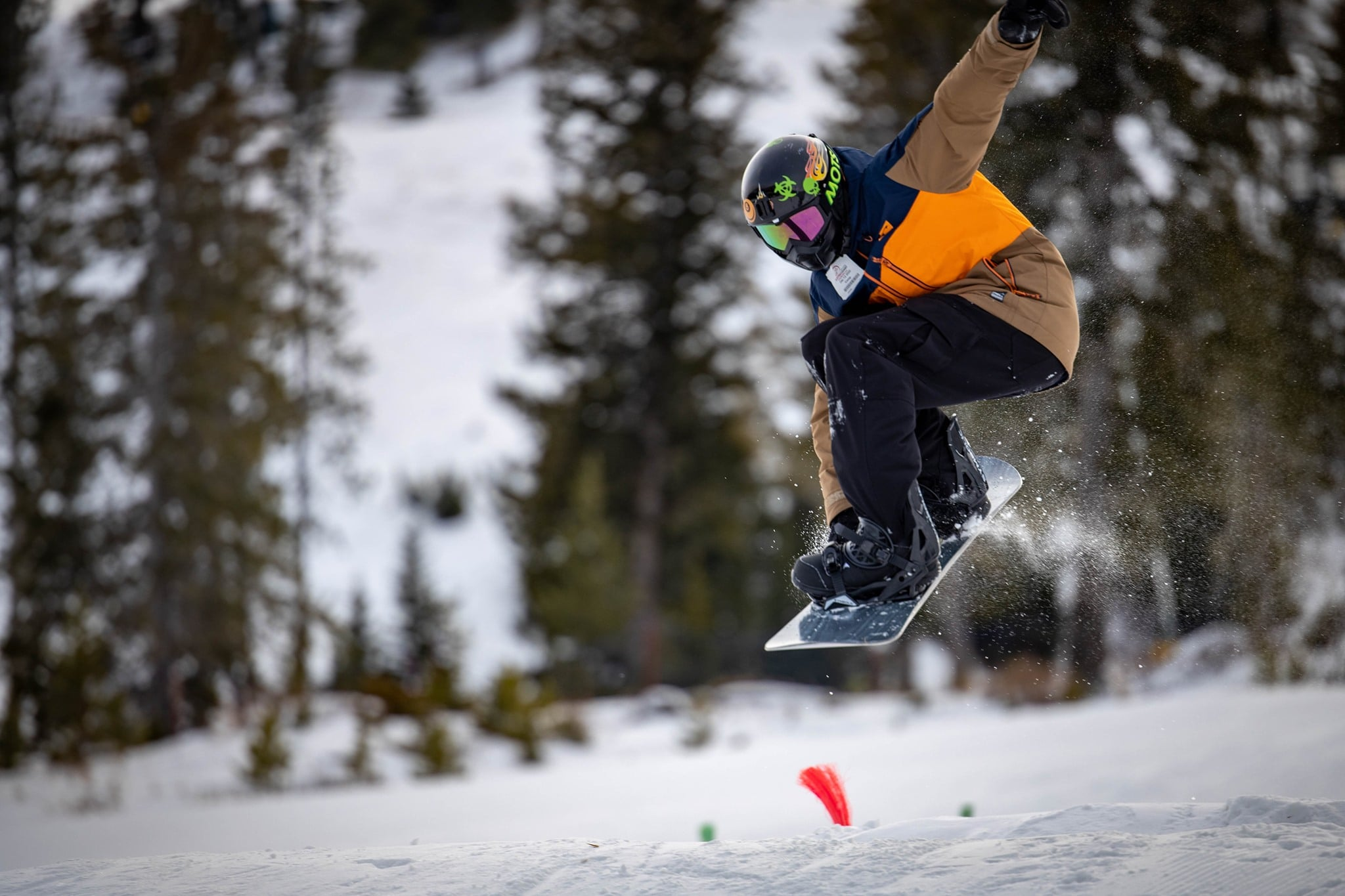 Image of a snowboarder at Sleeping Giant Ski Area & Zipline in Cody, WY